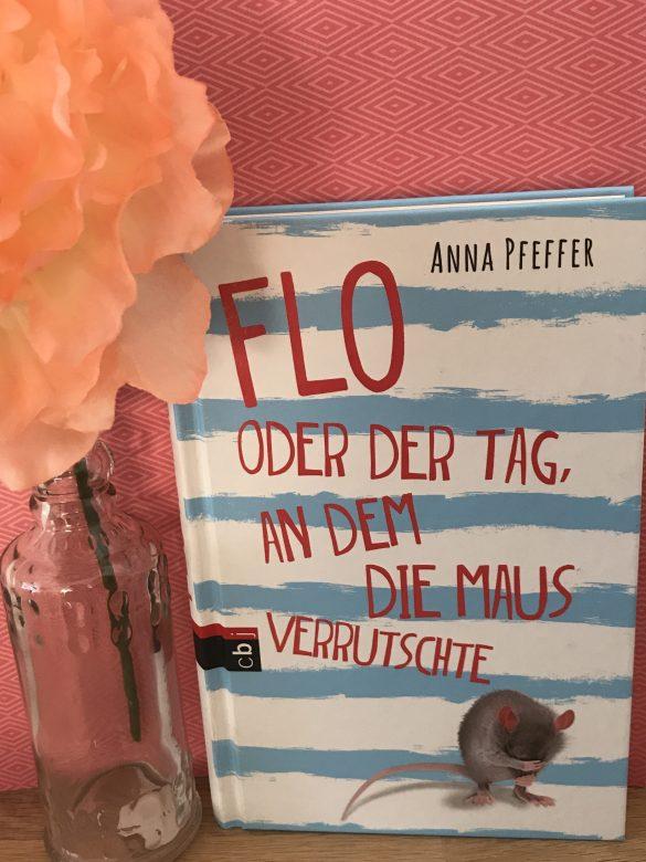 10 Bücher, auf dessen Cover ein Tier abgebildet ist