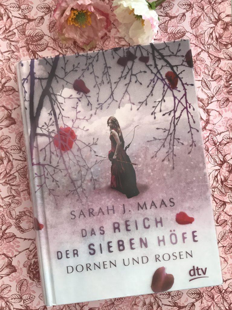 Das Reich der sieben Höfe: Dornen und Rosen