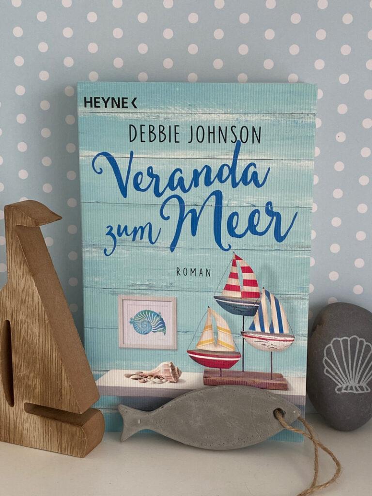 Veranda zum Meer von Debbie Johnson